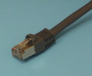 Câble CAT5 blindé avec connecteur RJ45 blindé