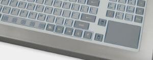 Option clavier à course courte avec pavé tactile, conforme IP65/IP66